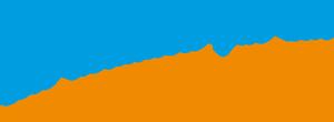 """Man sieht auf dieser Seite das Logo der Spedition: Der blaue Schriftzug in der rechten Bildhälfte mit der orangenen Unterstreichung: Der Slogan: """"Wir kommen gut an!"""""""